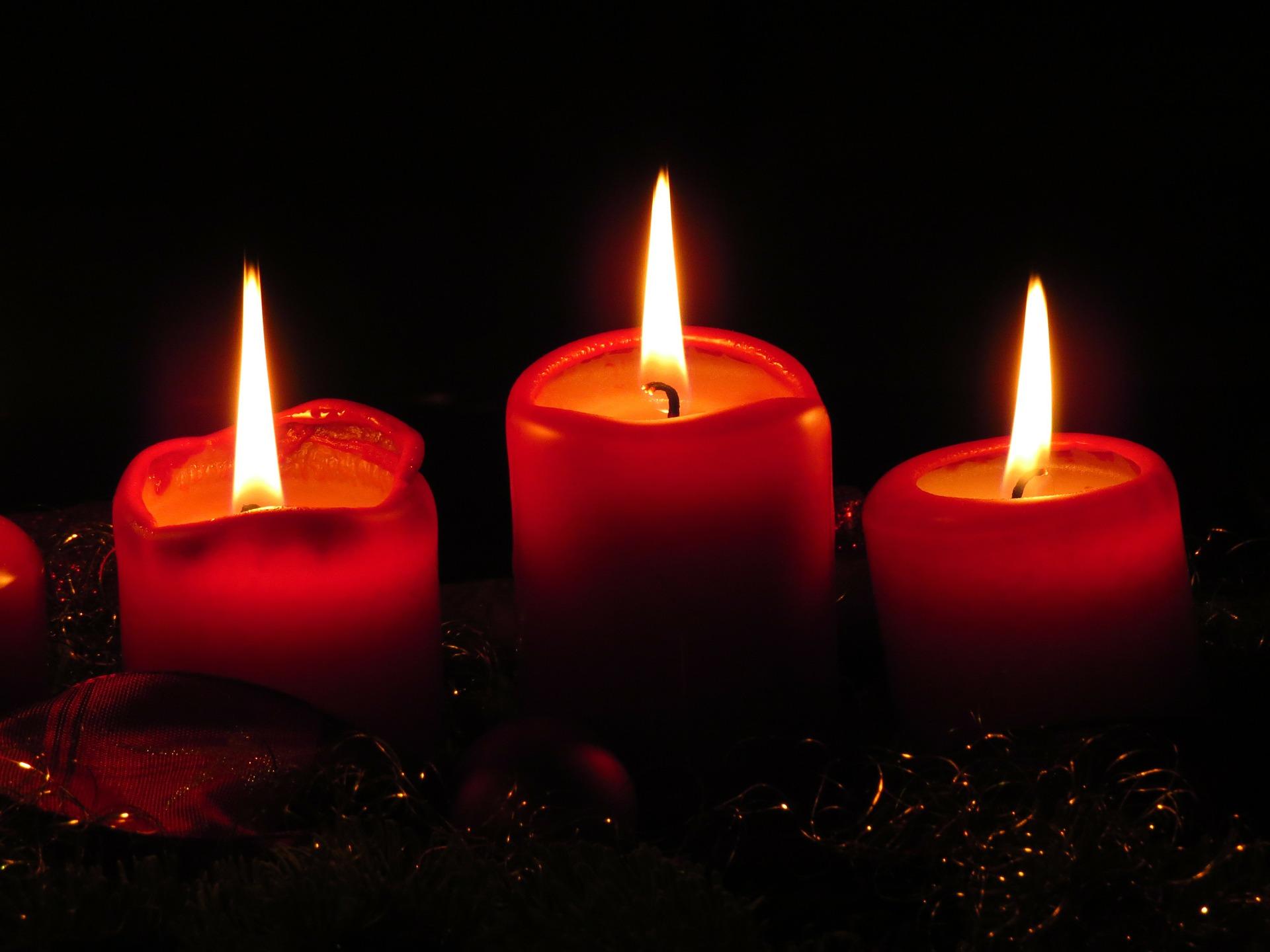 Beisammensein im Kerzenschein zur Adventsfeier