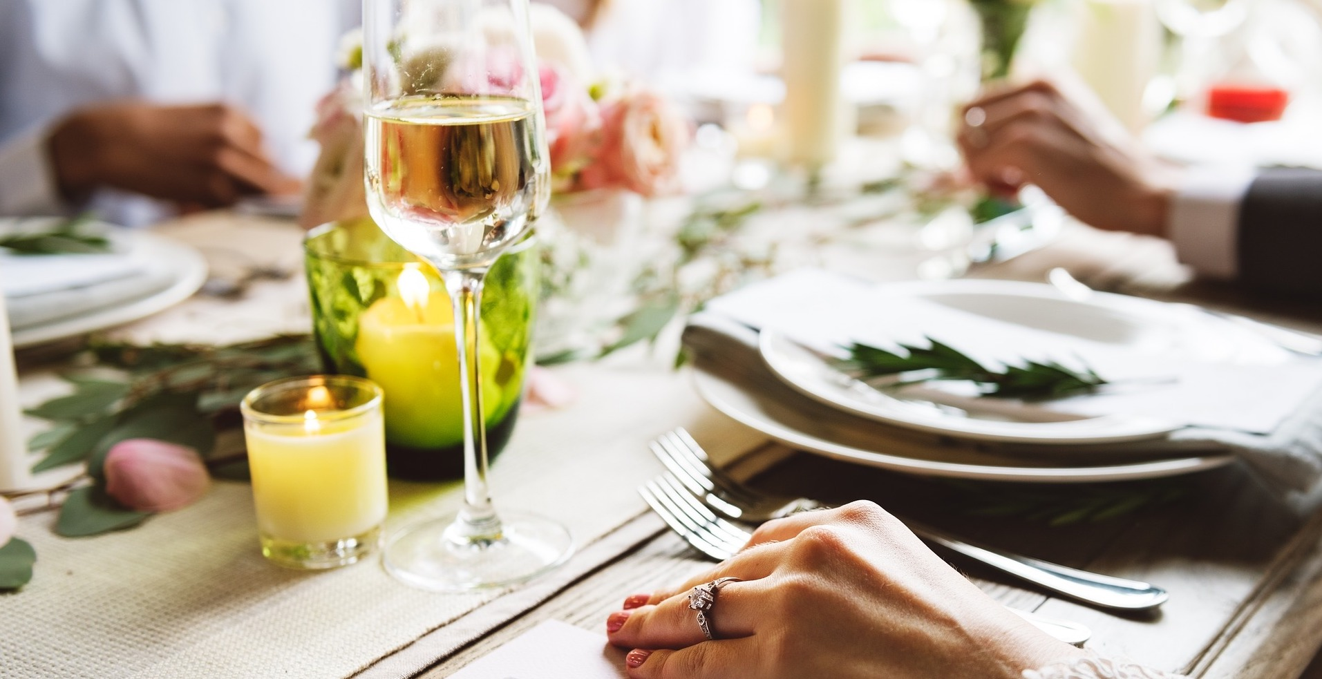 Stilvolle Einladung zum Abendessen