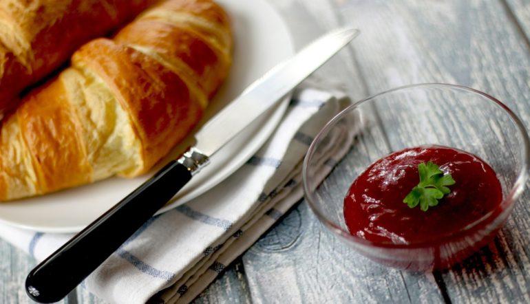 Ob FR¨¨hstück mit Crossaint oder Ei
