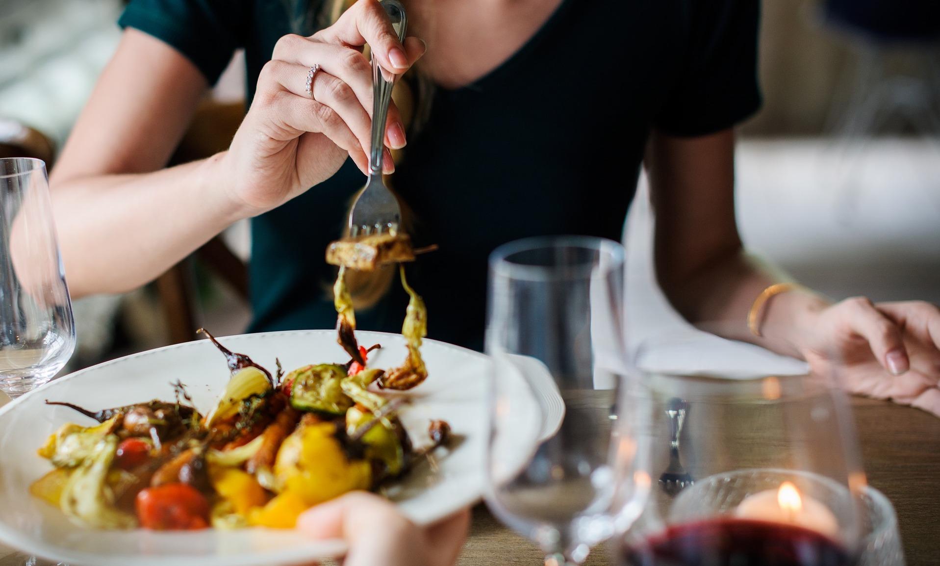 Romantisches Abendessen zu zweit